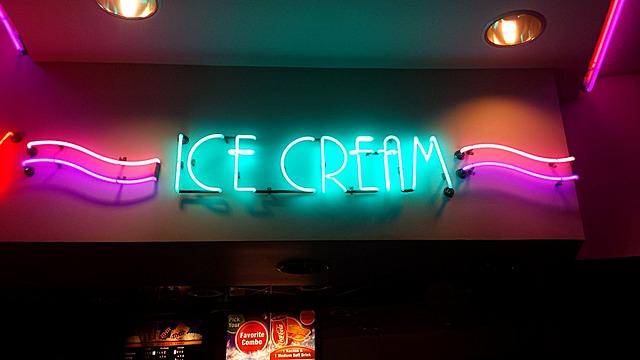 ice cream 676470 640