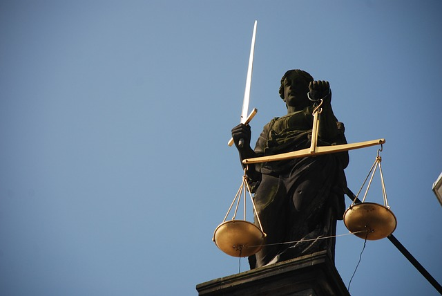 lady justice 677945 640