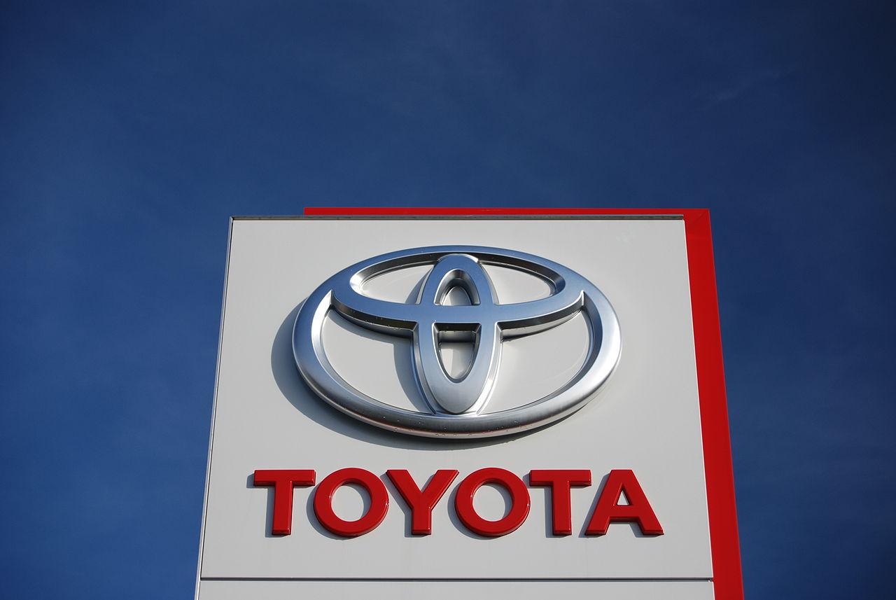 1280px Toyota stojan