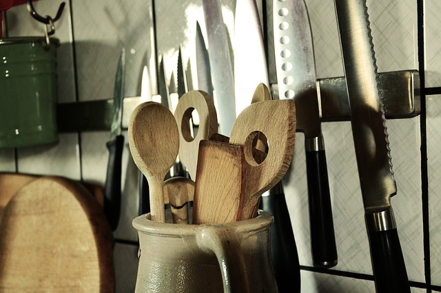 wooden spoon 1013566 640