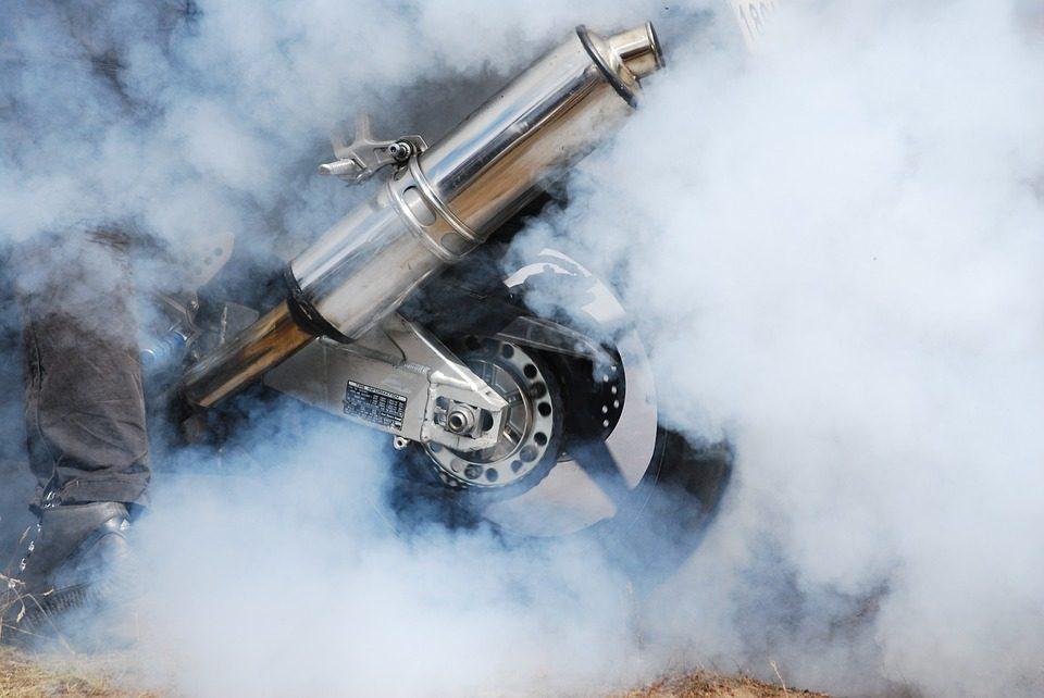 motorcycle burnout 1070935 960 720