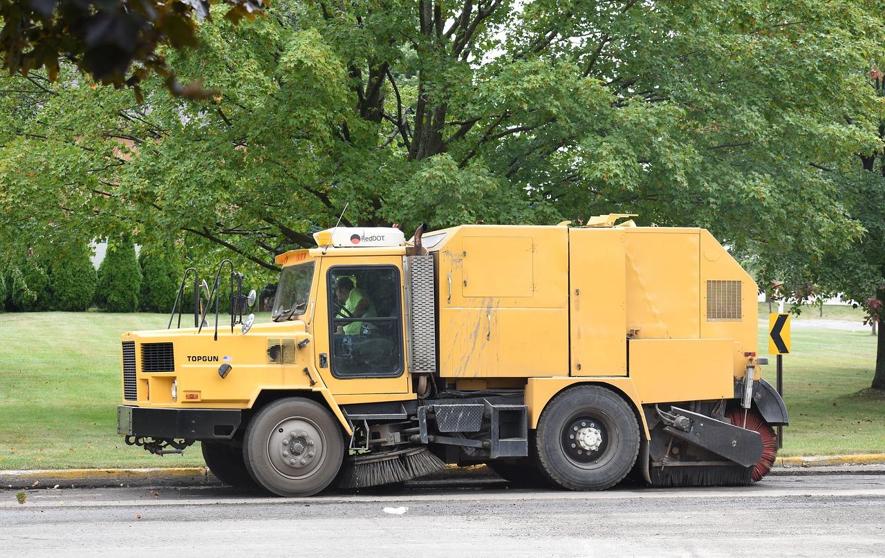 street cleaner 2653405 1280 1