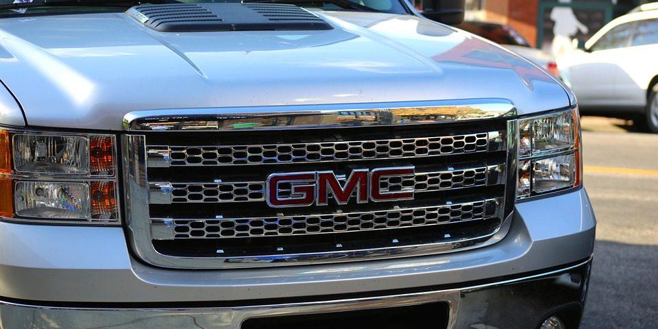 GM recalls pickup trucks