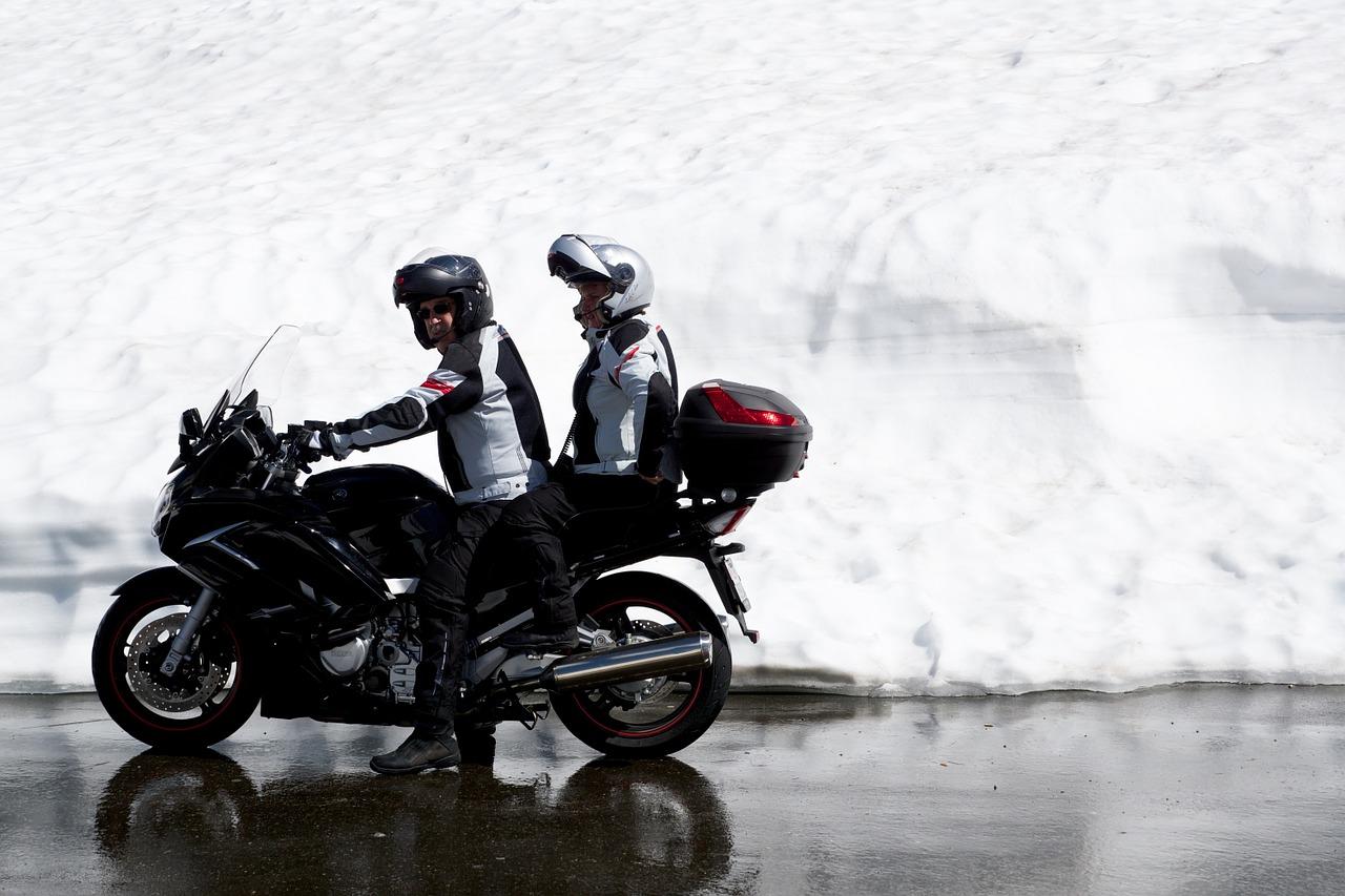 motorcycle team 802728 1280