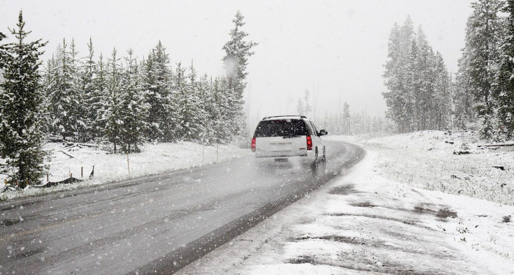 snow driving accident washington state winter crash