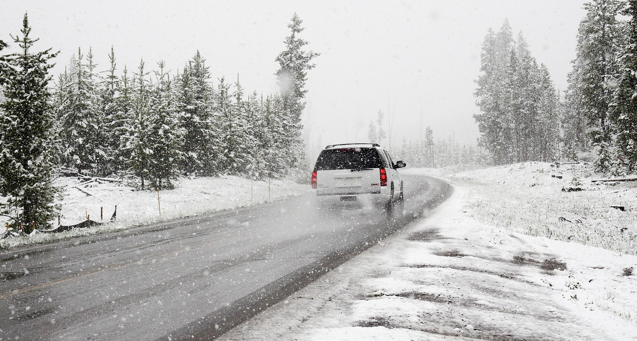 snow driving accident washington state winter crash accident washington winter